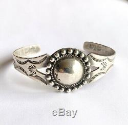 Fred Harvey Era Navajo Sterling Silver Hand Tooled Concho Cuff Bracelet 7