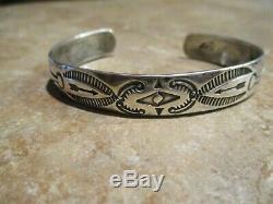 REAL OLD 1920's Fred Harvey Era Navajo 900 COIN Silver Design Bracelet
