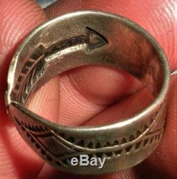 VINTAGE c. 1930 NAVAJO FRED HARVEY COIN SILVER ARROW WEDDING BAND RING vafo
