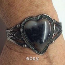 Vintage Fred Harvey Era Cuff Bracelet Sterling Silver Agate Heart