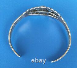 Vintage Fred Harvey Era Sterling Silver Red Coral Arrows Cuff Bracelet 10 Grams