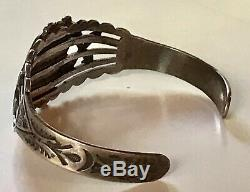 Vintage Fred Harvey Navajo Indian Silver Green Turquoise Arrows Cuff Bracelet