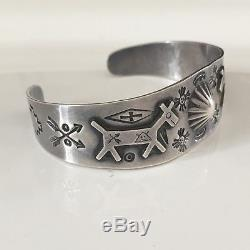 Bracelet En Argent Navajo Bracelet Vintage Fred Harvey Repousse Des Années 1930 Flèches De Soleil